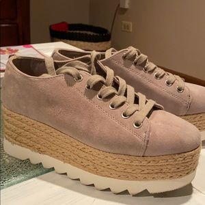Steve Madden gym shoes worn once